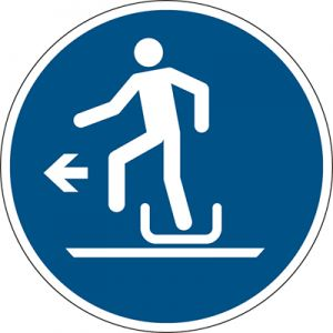 ISO Safety Sign - Alighting from toboggan to the left